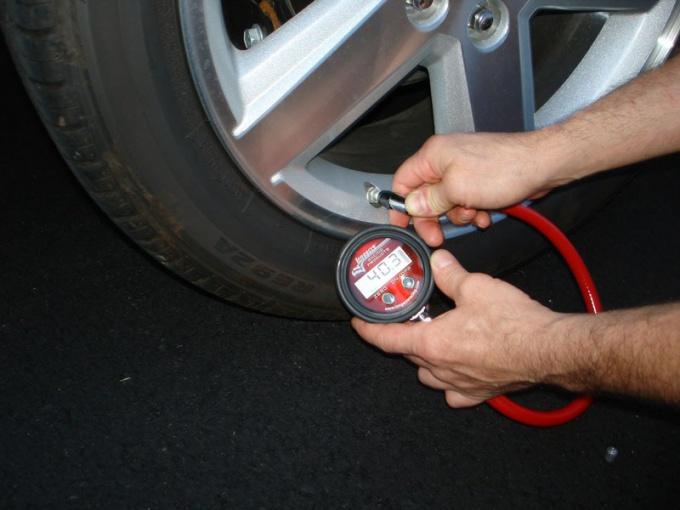Какое давление должно быть в шинах