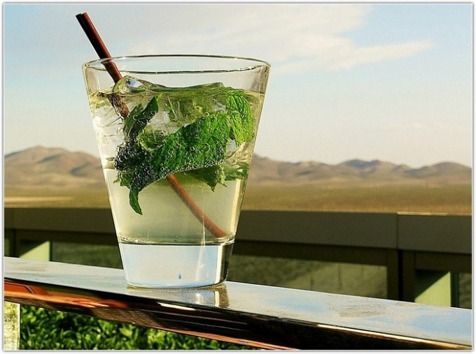 How to prepare lemon mint drink