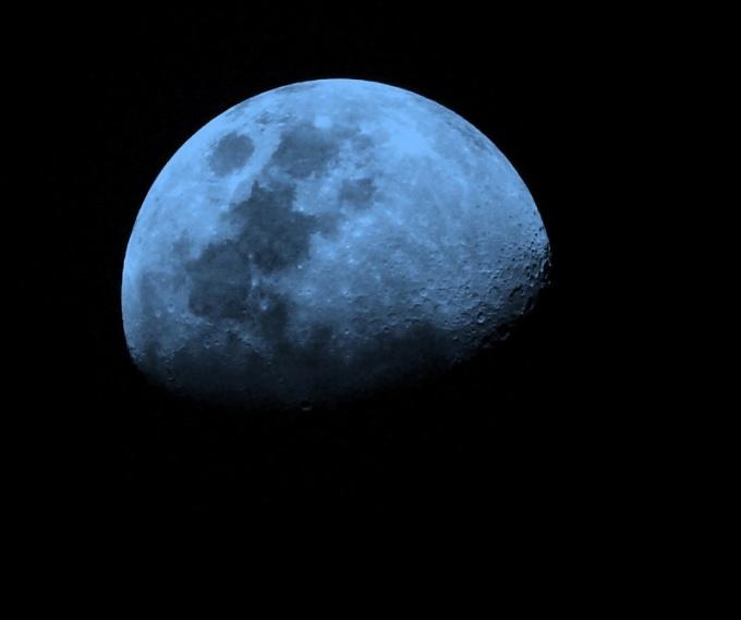 Когда можно увидеть голубую Луну