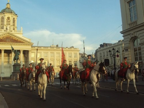 Как попасть на Средневековый праздник Ommegang Pageant в Брюсселе