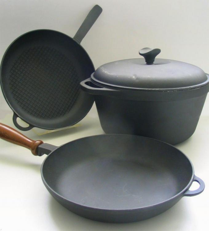 Как ухаживать за чугунной посудой