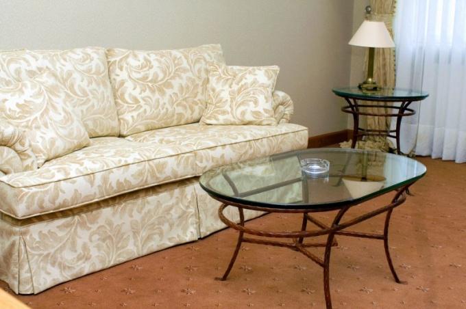 Как чистить мебельную ткань