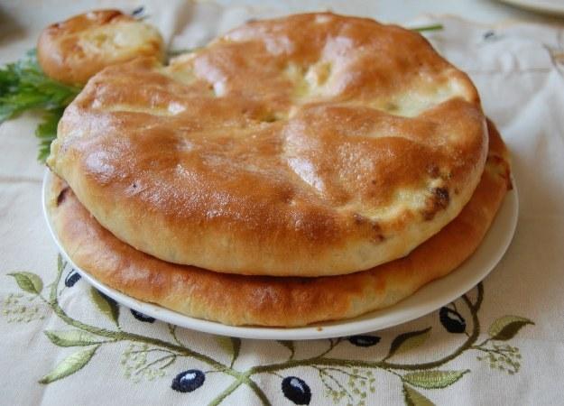 Как испечь осетинский пирог с сыром и зеленью