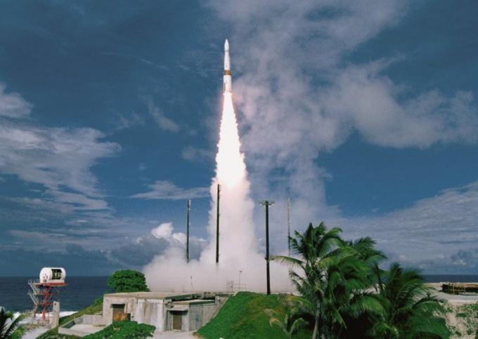 """Когда и как будет происходить запуск ракеты """"Булавы"""""""