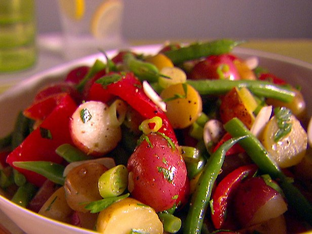 Как приготовить жареные салаты