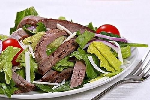 Как приготовить охотничий салат