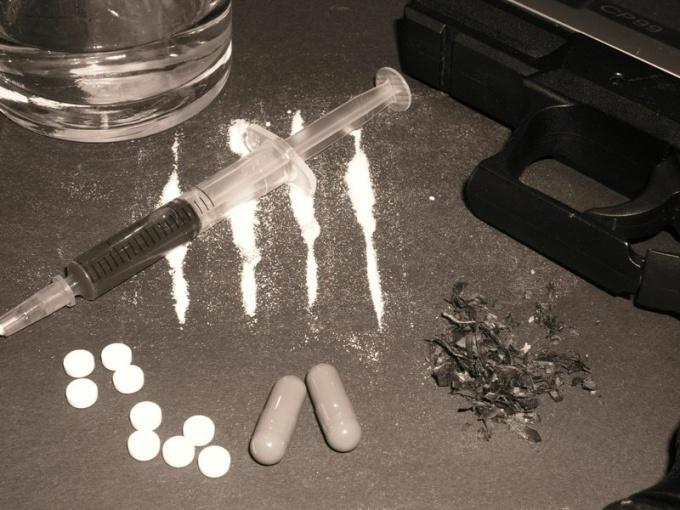 Отчего работников ФСБ проверят на наркотики