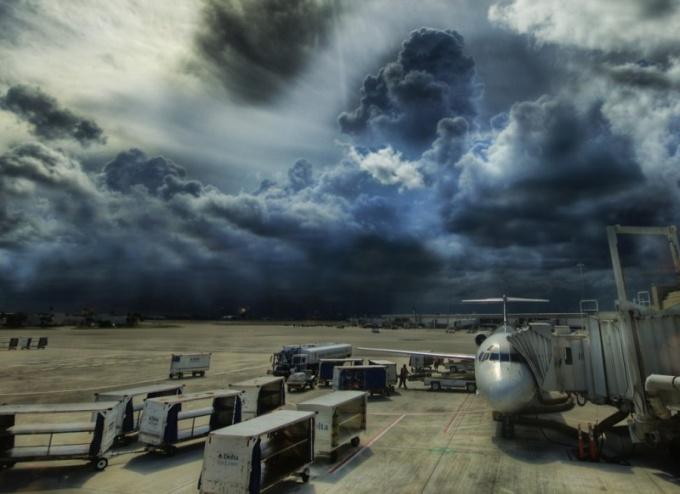 Как ученые придумали бороться с ураганами