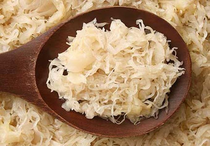 Как приготовить пирог с квашеной капустой и солеными груздями