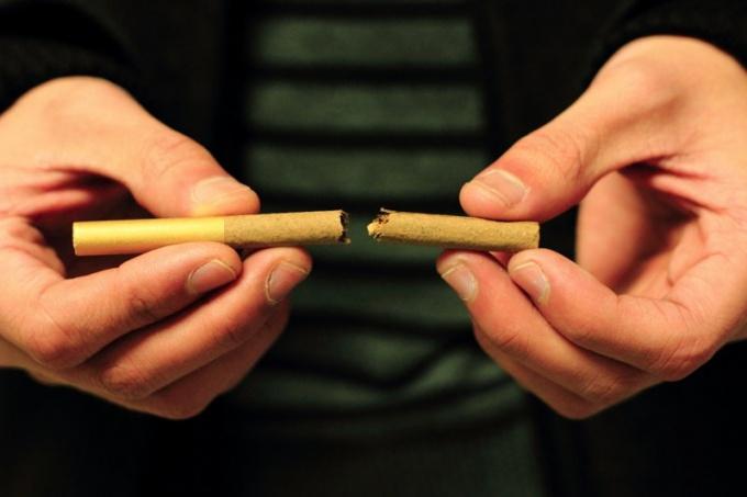 Что запрещает новый законопроект об ограничении курения