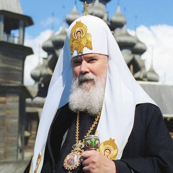 Почему священнику запретили проводить службы после ДТП