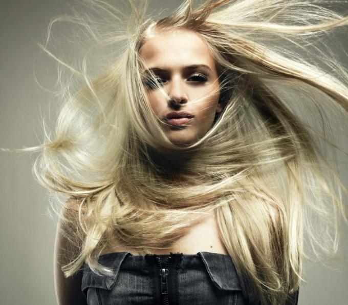 Как ухаживать за светлыми волосами
