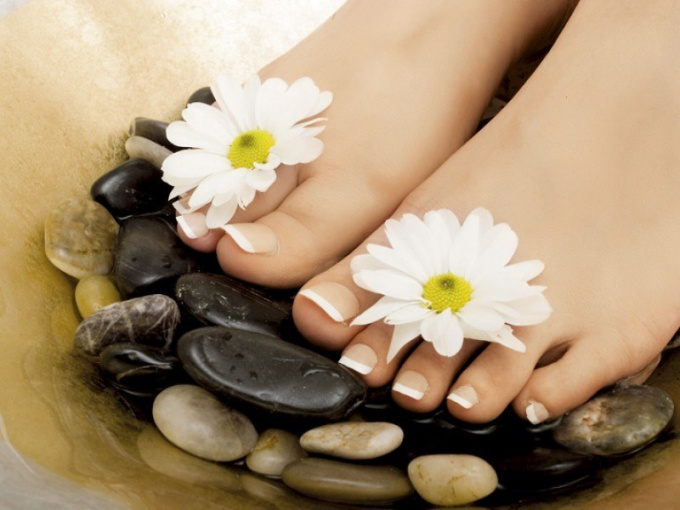 How to hydrate feet in summer