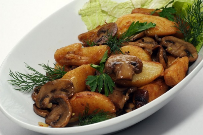 Как приготовить жареный картофель с грибами