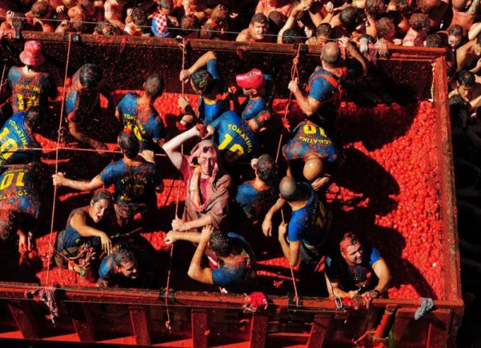 Как проходит испанская «Ла Томатина»