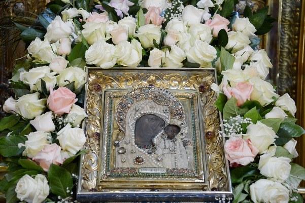 Как православные отмечают День явления иконы Божией Матери в Казани