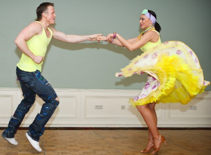 Как выбрать танцевальную школу