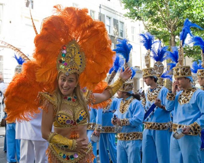 Как посмотреть ежегодный карнавал в Лондоне