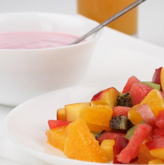 Как приготовить сладкий салат с экзотическими фруктами