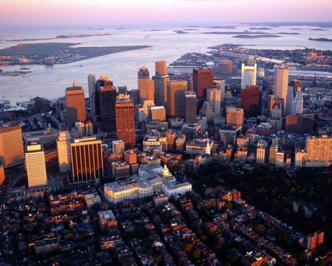 Когда и кем был основан Бостон