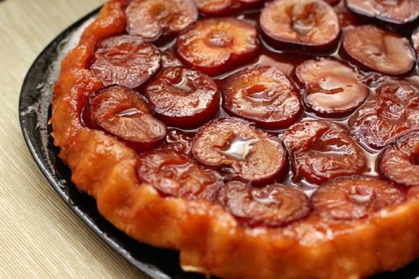 Как готовить сливовый пирог-перевертыш