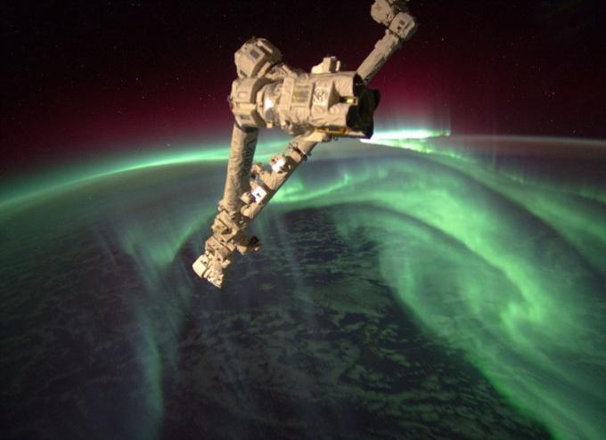 Как астронавты починили энергосистему на МКС