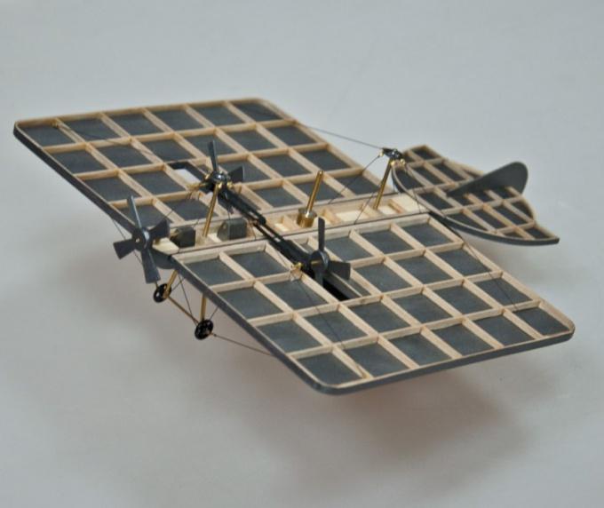 Кто изобрёл, построил и испытал первый самолёт