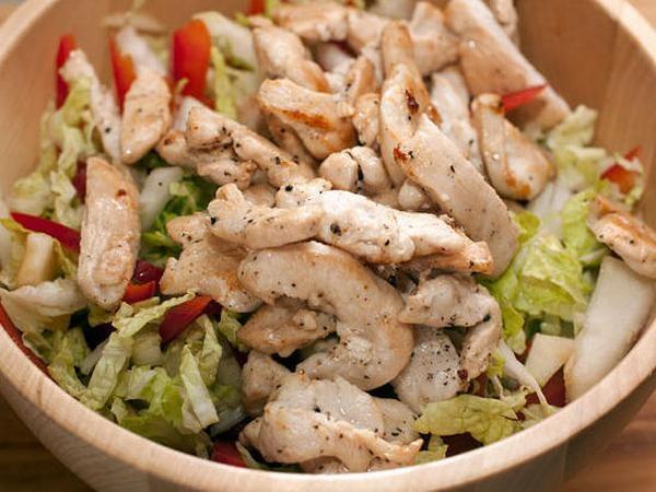 Быстрый салата с курицей