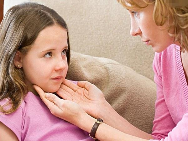 Чем опасна ангина у детей