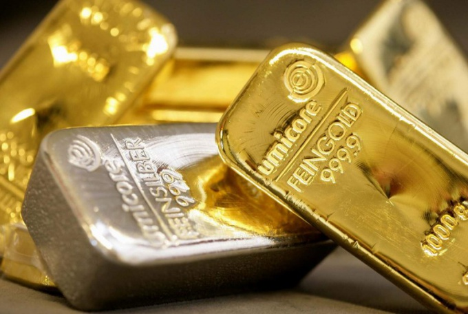 Почему платина дороже золота