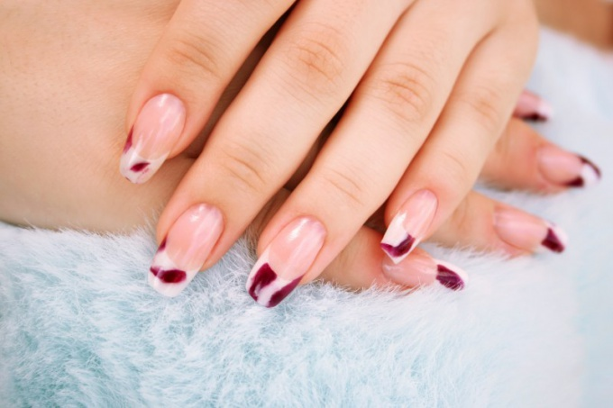 What is a gel manicure