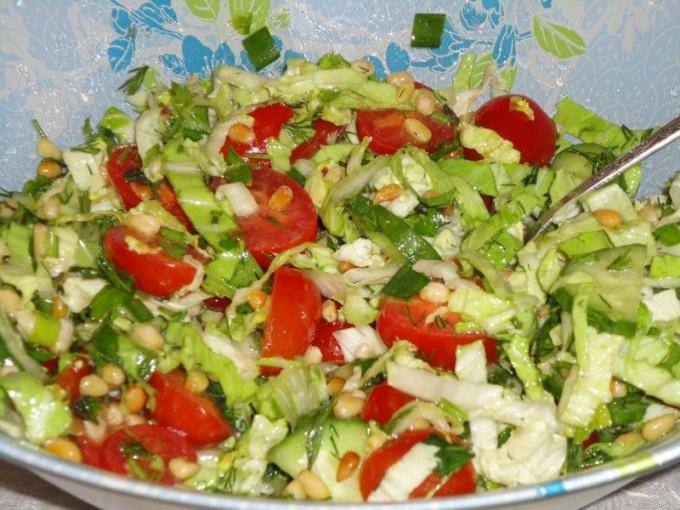 Готовим салаты только из овощей с фото