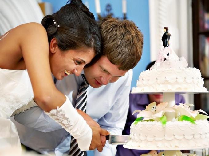 Свадебный торт: просто десерт или нечто большее