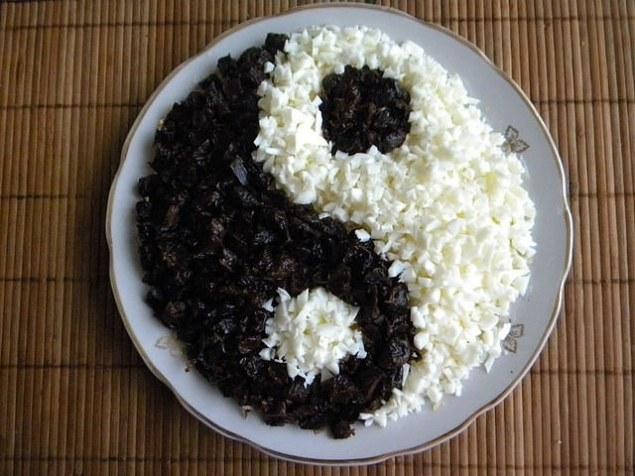 Салат инь-янь: пошаговый кулинарный рецепт