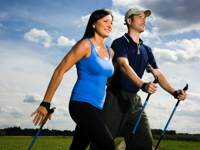 Скандинавская ходьба с палками: правила и польза