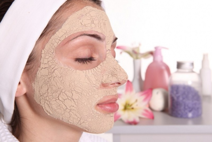 Anti-aging facial masks - beauty from improvised means