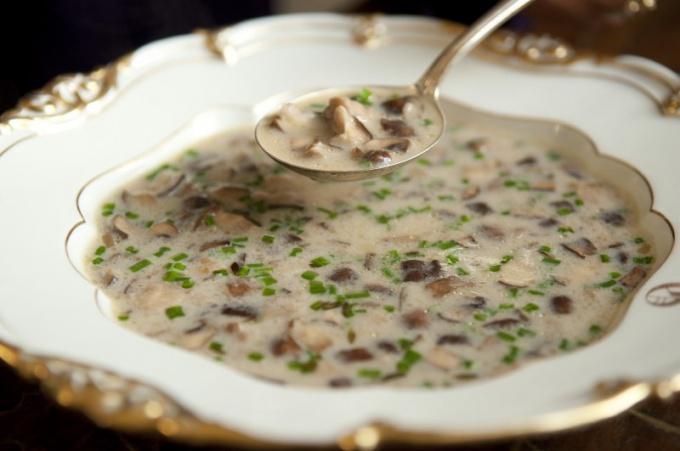 Молочный суп пюре с шампиньонами