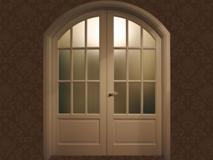 Арочные двери в интерьере дома
