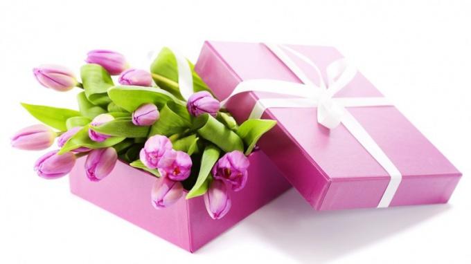 Что подарить на день рождения девушке