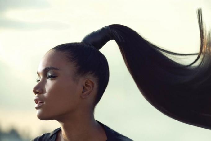 Как зачесать волосы назад