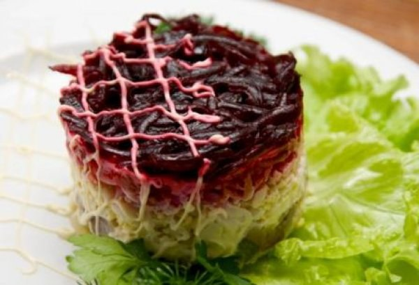 """Raw """"herring"""" under a fur coat - a great alternative to a traditional dish"""