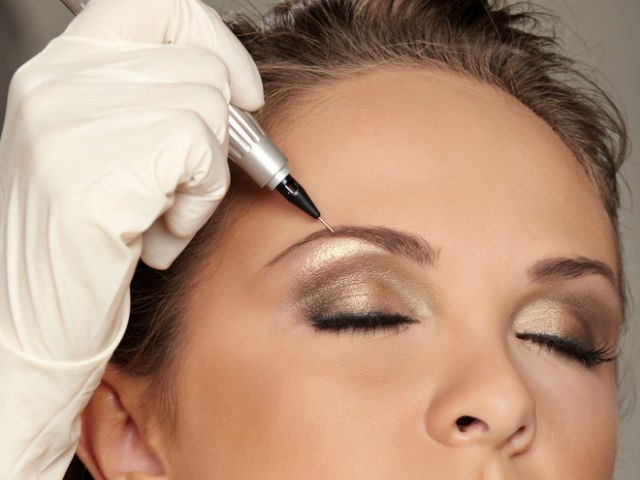 Hairy method of eyebrow tattooing