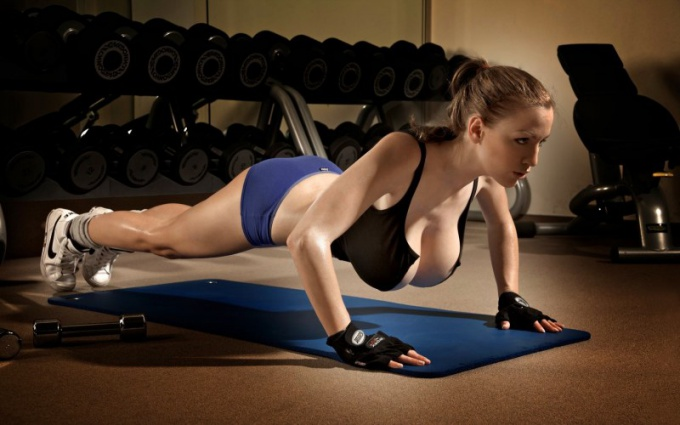Push UPS - best exercise for breast enlargement