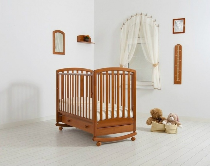 How to make a cot with his hands