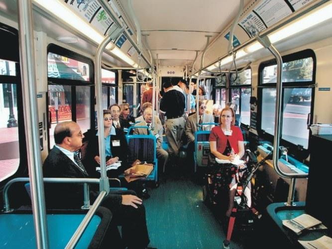 Как должен вести себя в общественном транспорте воспитанный человек в 2018 году
