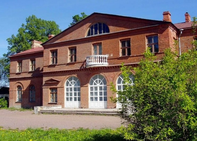 "One of the most beautiful places in Vsevolozhsk is an ancient country estate ""Priyutino"""