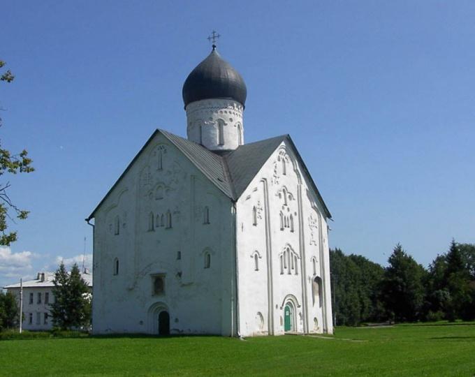 Церковь Спаса-на-Ильине - жемчужина новгородского зодчества