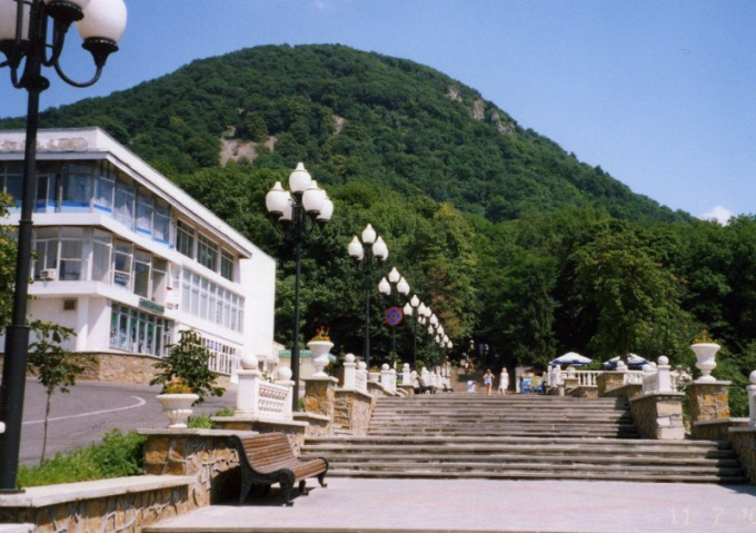 Zheleznovodsk is located in a very picturesque place
