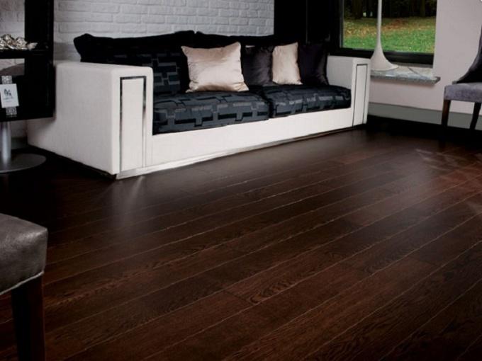 Floor made of dark wood