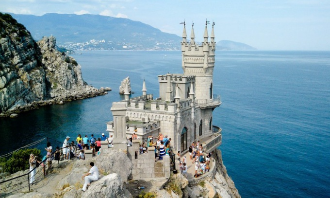 "The castle ""swallow's nest"""